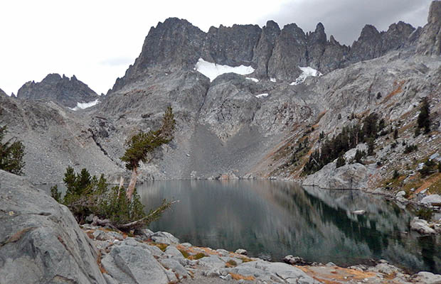 Iceberg Lake with the Minarets behind - on the High Route