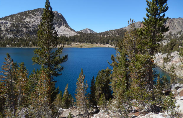Homeward bound on the JMT around Virginia Lake