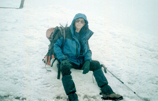 2001: On the summit of Adams in white-out conditions - nothing to see here!