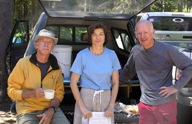 2005: Peter, Lucy and Mal at Killen Creek trailhead before starting our North-South traverse.