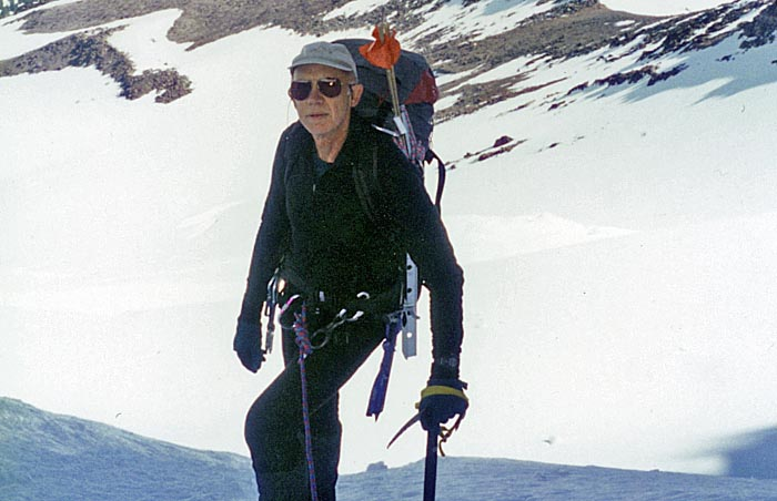 1997: Peter moving roped above the bergschund