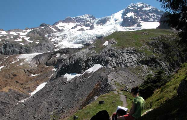 Crossing the high point of Emerald Ridge ... Tahoma glacier in the background.