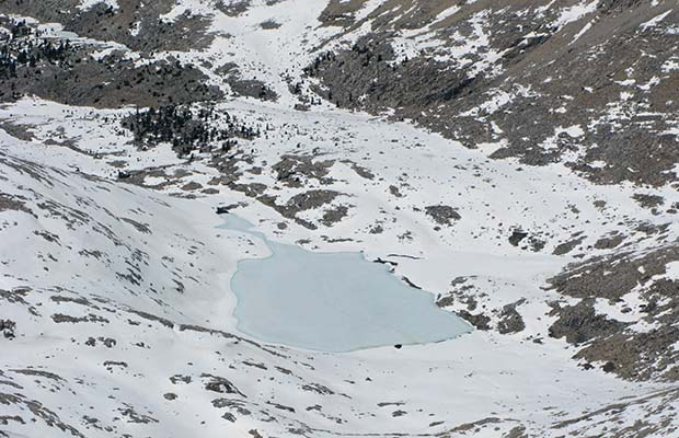May 2009: Guitar Lake, frozen over in early May.